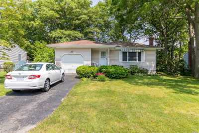 Medford Single Family Home For Sale: 155 Maple St