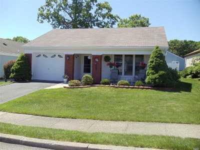 Ridge Condo/Townhouse For Sale: 489 Stratford Ln