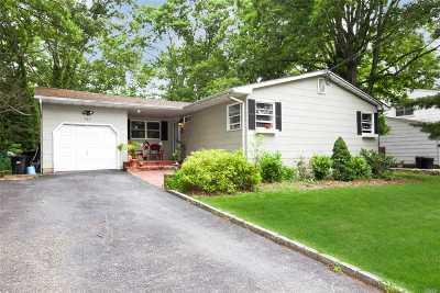 Ronkonkoma Single Family Home For Sale: 567 Johnson Ave