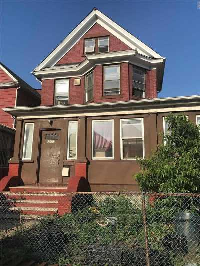 Elmhurst Single Family Home For Sale: 42-55 78 St