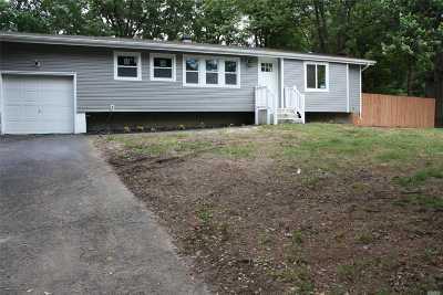 E. Setauket Single Family Home For Sale: 7 Lodge Ln