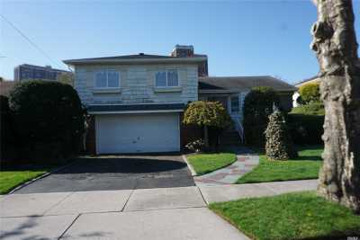 Little Neck Single Family Home For Sale: 264-42 60 Rd