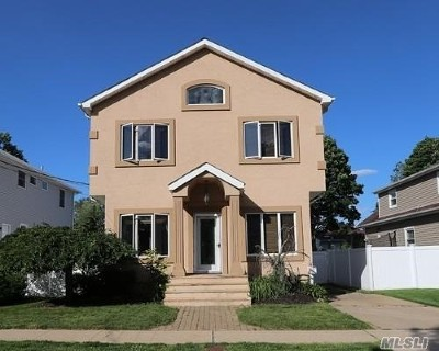 Single Family Home For Sale: 2637 Kenny Ave