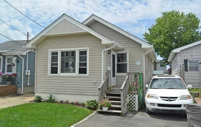 Freeport Single Family Home For Sale: 634 Miller Ave