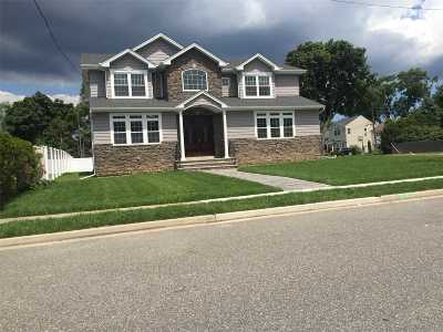 Bellmore Single Family Home For Sale: 1334 Little Neck Ave