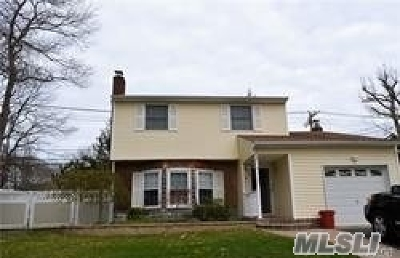 Medford Single Family Home For Sale: 41 Brook Run Dr