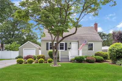 Huntington Sta NY Single Family Home For Sale: $419,000