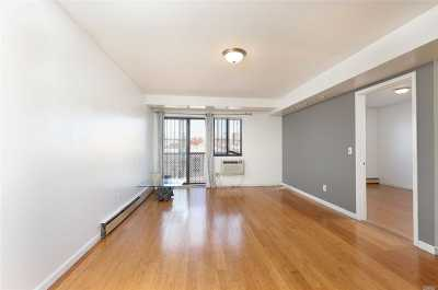 Woodside Condo/Townhouse For Sale: 58-61 44 Ave #3A