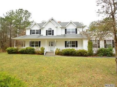Manorville Single Family Home For Sale: 8 Moran
