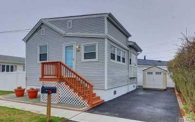 Lindenhurst Single Family Home For Sale: 25 Sunrise Ave