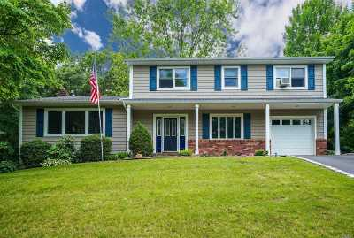 Smithtown Single Family Home For Sale: 3 River Heights Ct