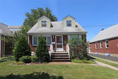Mineola Single Family Home For Sale: 105 Sheridan Blvd