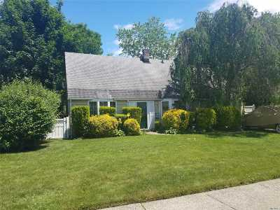 Levittown Single Family Home For Sale: 73 Hilltop Rd