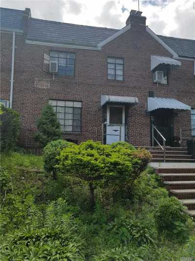 Fresh Meadows Single Family Home For Sale: 69-08 173 St