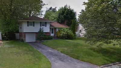 Commack Single Family Home For Sale: 16 Montrose Dr