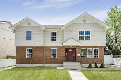 Hempstead Single Family Home For Sale: 190 Harvard St