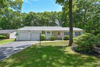 Stony Brook Single Family Home For Sale: 10 Balfour Ln