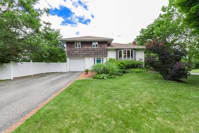 Smithtown Single Family Home For Sale: 35 Dartmouth Dr