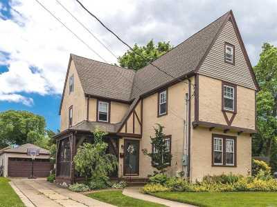 Rockville Centre Single Family Home For Sale: 83 Sherman Ave