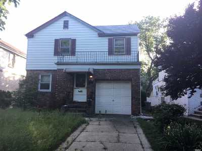Fresh Meadows Single Family Home For Sale: 73-08 195th St