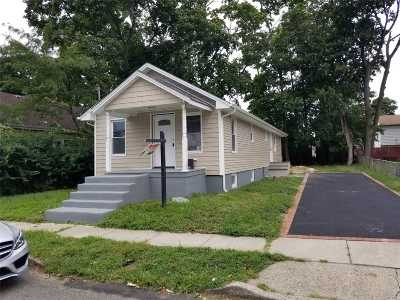 Roosevelt Single Family Home For Sale: 21 Jefferson Ave