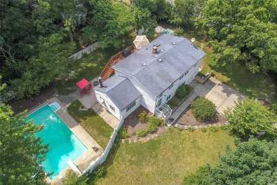 S. Setauket Single Family Home For Sale: 290 Arrowhead Ln