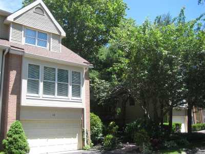 Smithtown Condo/Townhouse For Sale: 48 Willow Ridge Dr