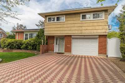 Hewlett Single Family Home For Sale: 19 Linden Ave