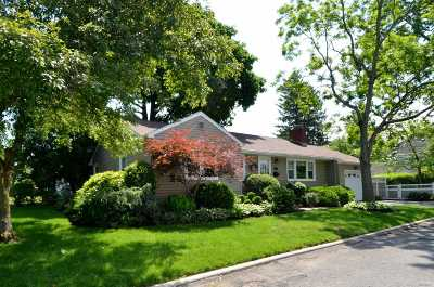 Glen Head Single Family Home For Sale: 73 Glenwood Rd