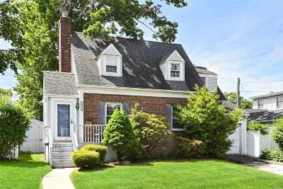 Bellmore Single Family Home For Sale: 2564 Orange St