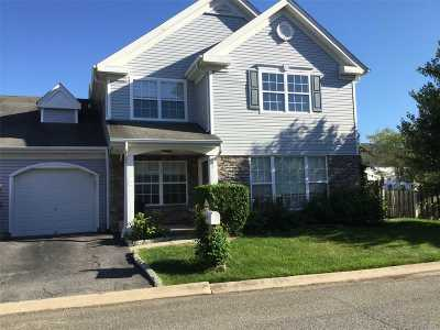 Middle Island Condo/Townhouse For Sale: 2 Casey Ln