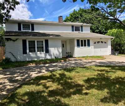 Selden Single Family Home For Sale: 346 Boyle Rd
