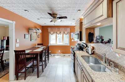 Patchogue Single Family Home For Sale: 10 Sandie Ct
