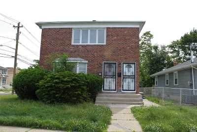 Hempstead Multi Family Home For Sale: 82 Remsen Ave
