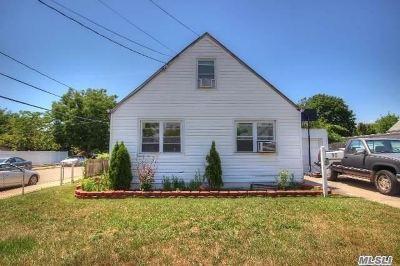 Hicksville Single Family Home For Sale: 10 Milton St
