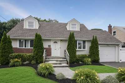 N. Bellmore Single Family Home For Sale: 798 Sterling St