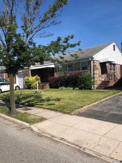 Lynbrook Single Family Home For Sale: 295 Peninsula Blvd