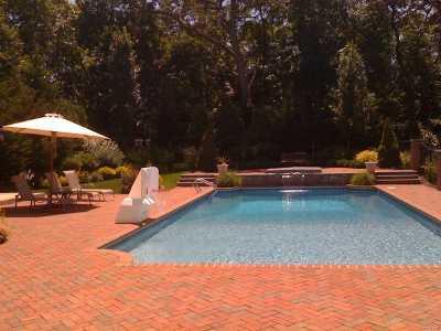 Huntington Single Family Home For Sale: 18 Timber Ridge Dr