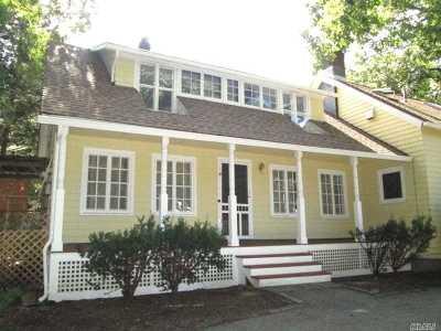 Huntington Multi Family Home For Sale: 11 Klarman Ct