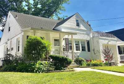New Hyde Park Single Family Home For Sale: 34 Ashland Ave