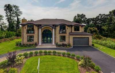 Roslyn Single Family Home For Sale: 56 Schoolhouse Ln