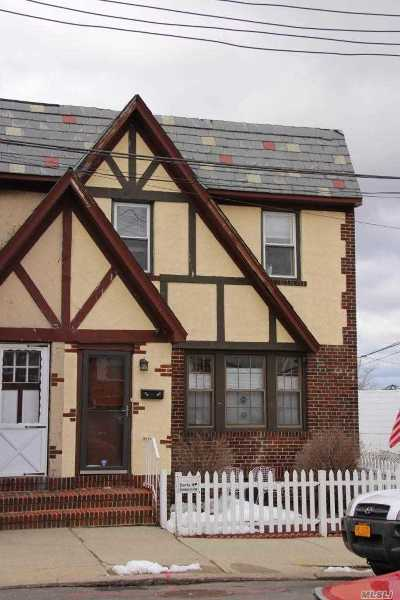 Middle Village Single Family Home For Sale: 61-14 65th St