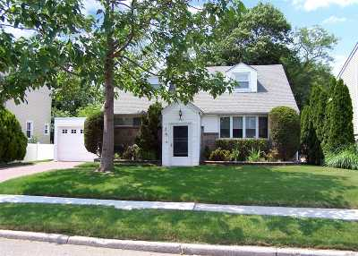 East Meadow Single Family Home For Sale: 1547 Spring St
