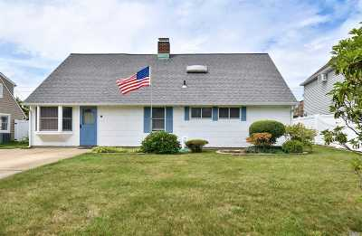 Single Family Home Sold: 17 Constellation Rd