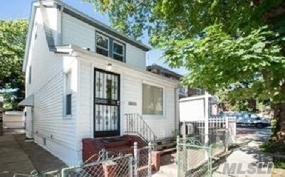 Fresh Meadows Single Family Home For Sale: 165-15 78 Ave