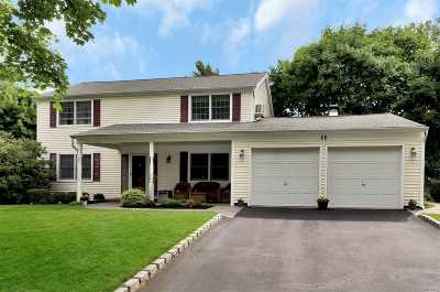 Stony Brook Single Family Home For Sale: 26 Hargrove Dr