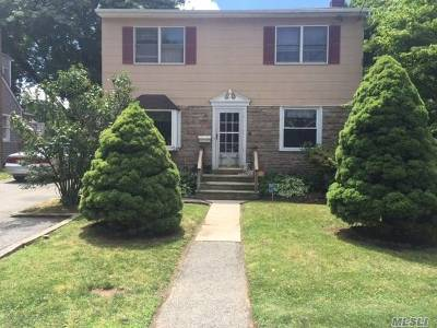 Suffolk County Single Family Home For Sale: 127 E 13th St