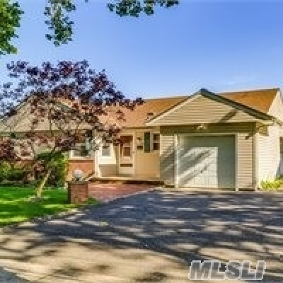 Nassau County Single Family Home For Sale: 83 Park Lane Drive