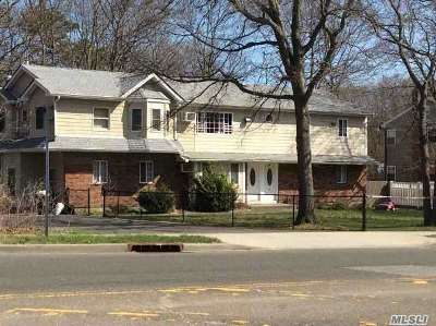 Oakdale Multi Family Home For Sale: 141-143 Oakdale Bohemia Rd