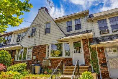 Forest Hills Single Family Home For Sale: 67-124 Clyde St
